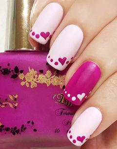 紫色粉色简约方圆形紫红淡雅爱心款美甲图片