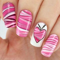 粉色白色方圆形其他粉嫩爱心水染纹理美甲图片