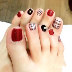白色红色黑色脚方圆形红色脚甲巴宝莉格纹足部款美甲图片