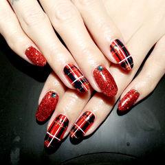 红色手绘圆形英伦红色格纹款美甲图片