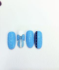 白蓝手绘圆形刚学的毛衣纹,美甲图片