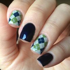 绿色蓝色手绘方形经典毛衣菱格纹美甲图片