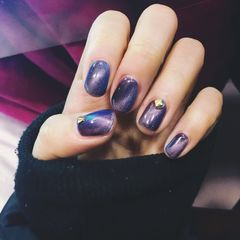 方圆形简约紫猫眼美甲图片