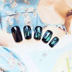 方圆形蓝色黑色简约韩式美甲图片