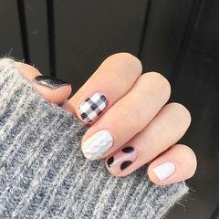 格纹毛衣黑色白色手绘冬天美甲图片