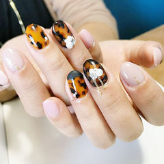 豹纹秋天手绘美甲图片