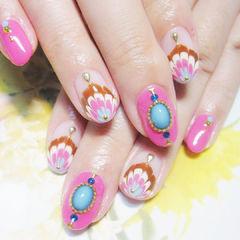 拉染粉色白色美甲图片