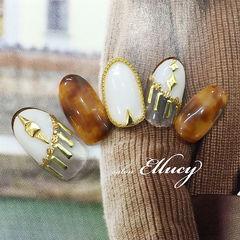 秋天琥珀白色铆钉甲片日式美甲图片
