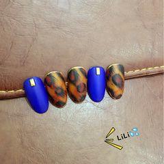 豹纹手绘甲片蓝色美甲图片