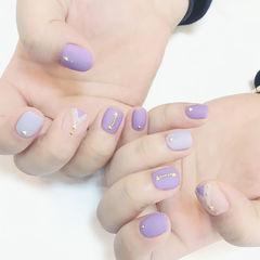 紫色磨砂铆钉短指甲新款店铺热门爆款美甲图片