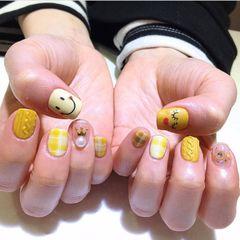 黄色毛衣格纹手绘笑脸可爱韩系达人节蓝队美甲图片