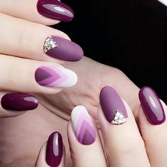 渐变紫色白色手绘磨砂美甲图片