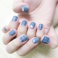 灰色圆形磨砂格纹手绘珍珠冬天美甲图片