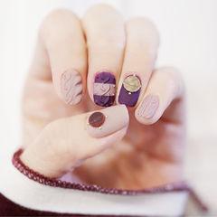 紫色裸色磨砂美甲图片
