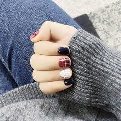 红色蓝色格纹手绘毛衣短指甲美甲图片