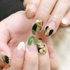 绿色白色手绘迷彩法式钻饰美甲图片