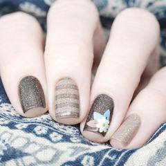 简约花朵咖啡色方形条纹咖啡美甲达人崔塔塔哒夫人美甲图片
