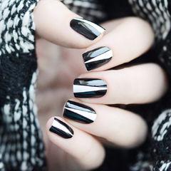 黑色白色简约方形达人崔塔塔哒夫人美甲图片