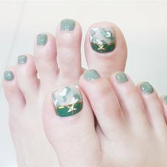 绿色脚部金属饰品达人崔塔塔哒夫人美甲图片
