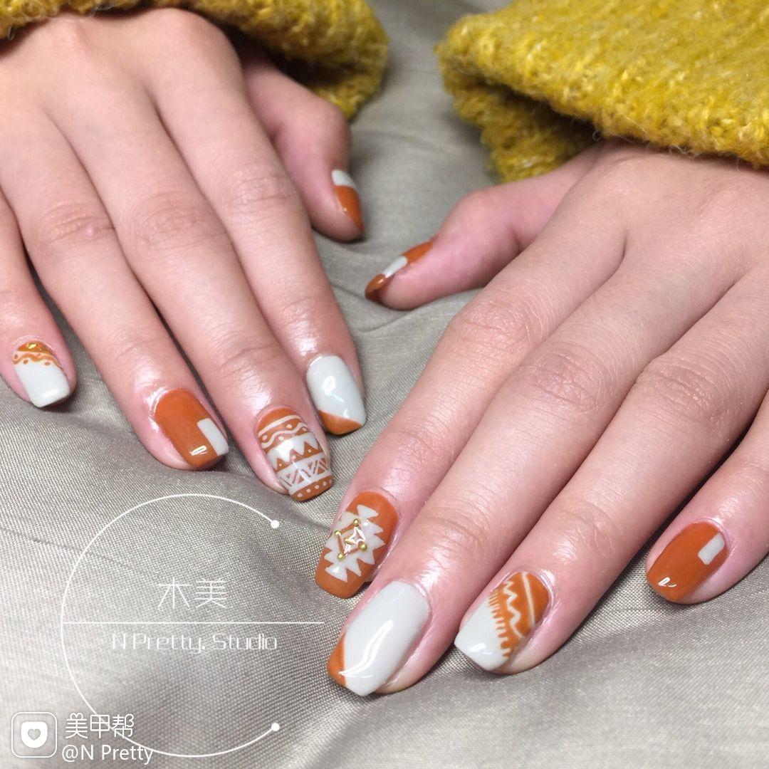 日式手绘裸色橙色民族风N Pretty民族风图案手绘好看的南瓜色预约:N_Pretty美甲图片