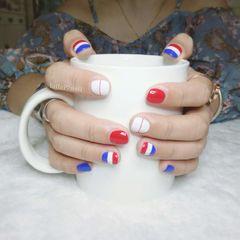 方圆形简约手绘红色蓝色白色跳色短指甲达人lailai可乐美甲百事可乐美甲图片