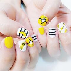 圆形黑色白色黄色条纹卡通可爱小黄人水果香蕉水果美甲店铺热门爆款美甲图片