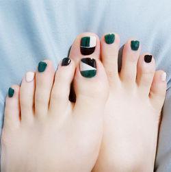 脚部绿色黑色白色跳色几何韩系脚甲几何美甲专题美甲图片