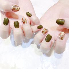 圆形绿色金箔美甲图片