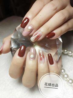 方圆形红色豆沙色金箔金属饰品美甲图片
