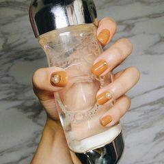 日式黄色橙色方圆形南瓜色珍珠简约南瓜色美甲美甲图片