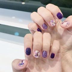 圆形紫色贝壳片短指甲美甲图片