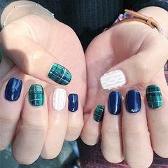 方圆形蓝色绿色格纹毛衣纹白色美甲图片