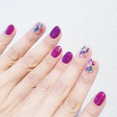 圆形紫色玫红色贝壳片美甲图片