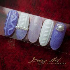 圆形紫色丝绒  毛衣纹美甲图片
