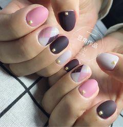 圆形简约日式紫色粉色灰色格纹磨砂毛衣格纹美甲图片