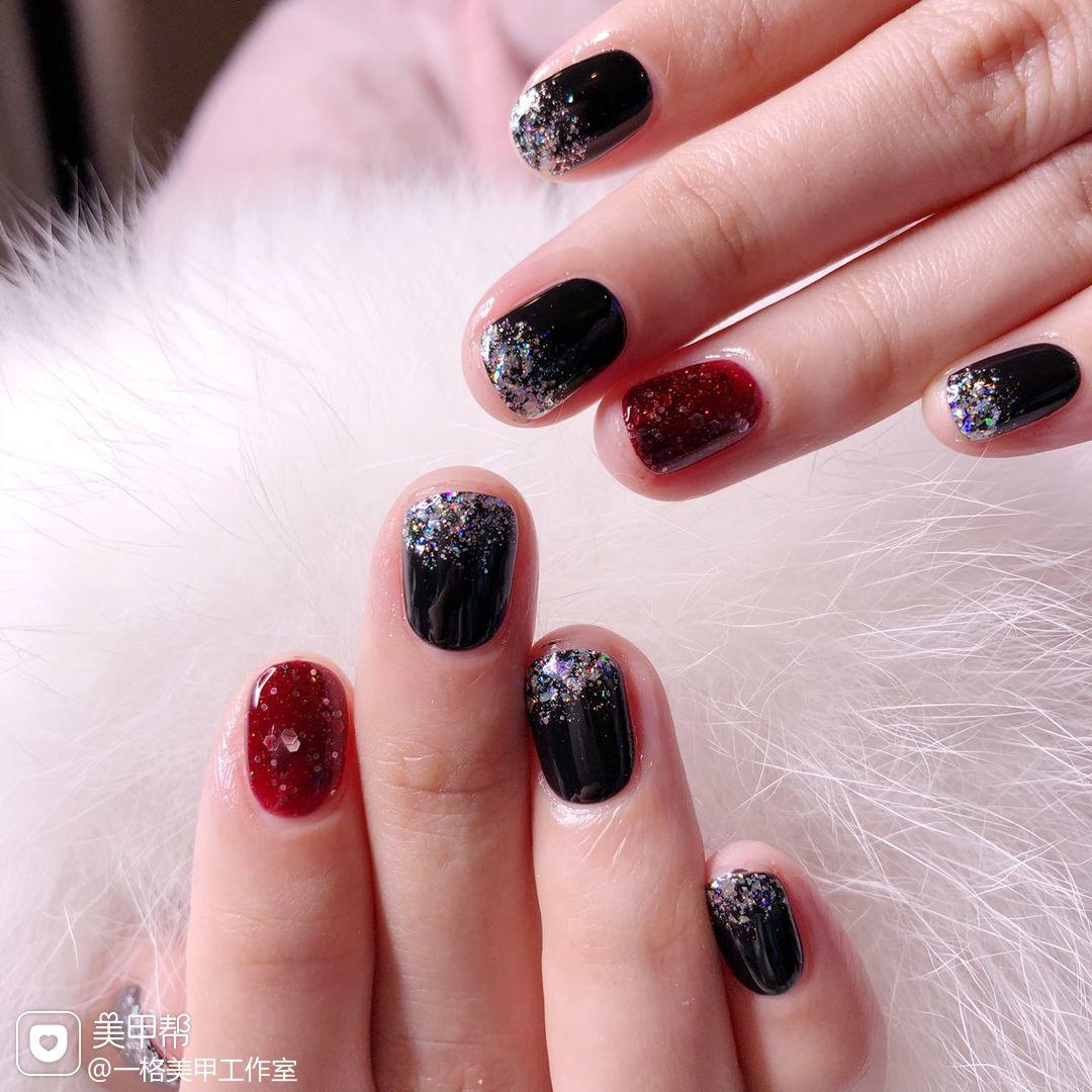 方圆形简约韩式红色黑色渐变闪粉渐变 亮片美甲图片