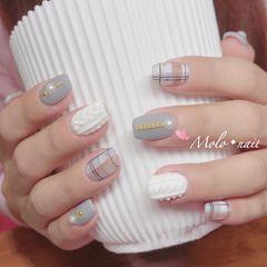 方形手绘白色灰色格纹毛衣纹珍珠美甲图片