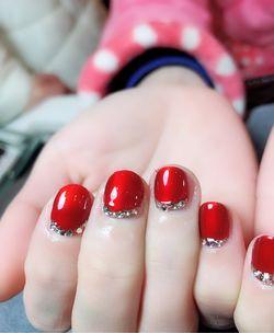 圆形钛金红钻新年短指甲短指甲专题短圆指甲款美图达人伊雅儿美甲图片