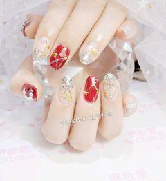 圆形新娘渐变红色银色亮片星月星月美甲钻饰#渐变#新娘#星月#美甲图片