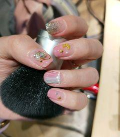 方圆形日式渐变粉色最近很流行的星月美甲美甲图片