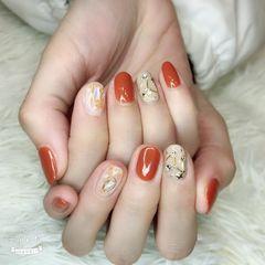 圆形南瓜色裸色贝壳片金属饰品钻南瓜色美甲图片