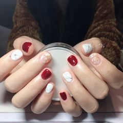 方圆形红色白色石纹贝壳片金箔短指甲美甲图片
