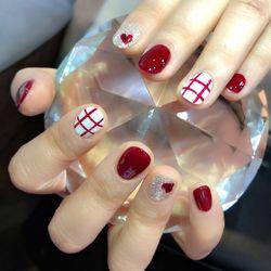 圆形红色白色银色手绘格子心形短指甲短指甲专题短圆指甲款美甲图片
