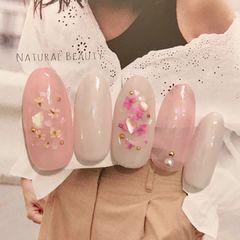 圆形简约日式粉色白色贝壳片春天ins款式分享美甲图片