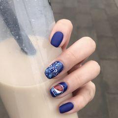 方圆形手绘蓝色白色可乐磨砂夏天美甲图片