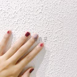 方圆形简约红色裸色跳色短指甲短圆指甲款短指甲专题糖小糖Kammy美甲图片