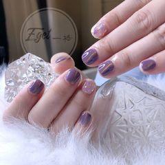 方圆形简约紫色猫眼贝壳片金箔短指甲美甲图片