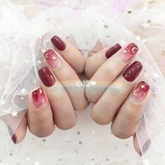 方形简约日式红色渐变星月情人节美甲星月美甲美甲图片