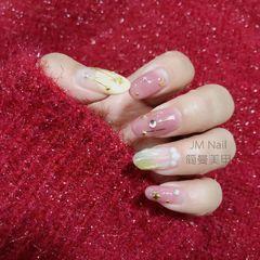 圆形日式粉色贝壳星月珍珠美甲图片