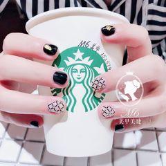 圆形黑色白色网纹短指甲美甲图片